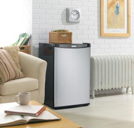 Réfrigérateur Danby 4.4 pi cu (DCR044A2BSLDD)